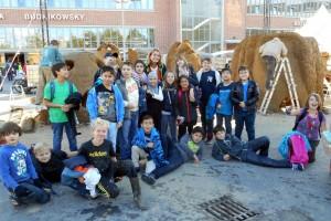 Klasse 5e gestaltet Lehmbauten