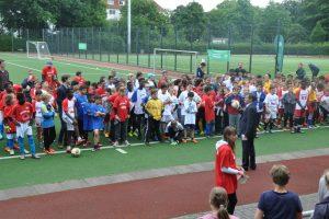 Klassen 5e und 5f punkten bei der AOK-Mini-Fußball-EM