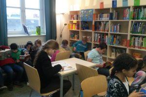 1. Lesefest – Eltern und Freunde lesen für Schüler
