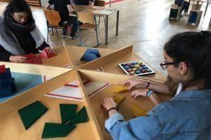 """Besuch der 10. Klasse in der Wanderausstellung """"Mathematik zum Anfassen"""""""